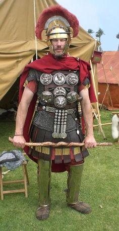Centurião: o Esteio da Legião Romana